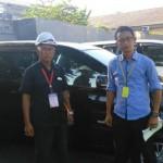 Foto Penyerahan Mobil 3 Sales Marketing Dealer Daihatsu Gresik Alfian