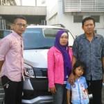 Foto Penyerahan Mobil 6 Sales Marketing Dealer Daihatsu Gresik Alfian