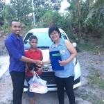 Foto Penyerahan Unit 1 Sales Marketing Mobil Dealer Daihatsu Bandung Jono