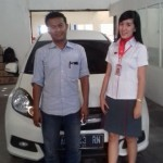 Foto Penyerahan Unit 1 Sales Marketing Mobil Dealer Honda Trenggalek Afrilia Devi Ardiana