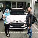 Foto Penyerahan Unit 11 Sales Marketing Mobil Dealer Daihatsu Rosanti