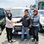 Foto Penyerahan Unit 16 Sales Marketing Mobil Dealer Daihatsu Rosanti