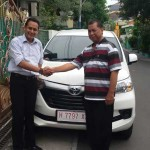 Foto Penyerahan Unit 2 Sales Marketing Mobil Dealer Toyota Semarang Syarif