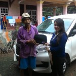Foto Penyerahan Unit 3 Sales Marketing Mobil Dealer Daihasu Bella