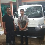 Foto Penyerahan Unit 3 Sales Marketing Mobil Dealer Daihatsu Pasuruan Rendy