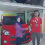 Foto Penyerahan Unit 3 Sales Marketing Mobil Dealer Daihatsu Pasuruan Soleh