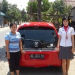 Foto Penyerahan Unit 3 Sales Marketing Mobil Dealer Honda Trenggalek Afrilia Devi Ardiana