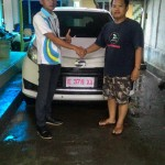Foto Penyerahan Unit 4 Sales Marketing Mobil Dealer Daihatsu Indramayu Hendi