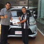 Foto Penyerahan Unit 4 Sales Marketing Mobil Dealer Toyota Semarang Syarif
