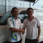 Foto Penyerahan Unit 5 Sales Marketing Mobil Dealer Daihatsu Bandung Teddy Ahmad