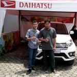 Foto Penyerahan Unit 6 Sales Marketing Mobil Dealer Daihatsu Indramayu Hendy