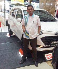 Sales Marketing Mobil Dealer Daihatsu Pasuruan Ari