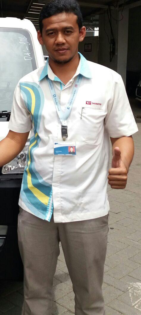 Sales Marketing Mobil Dealer Daihatsu Pasuruan Soleh