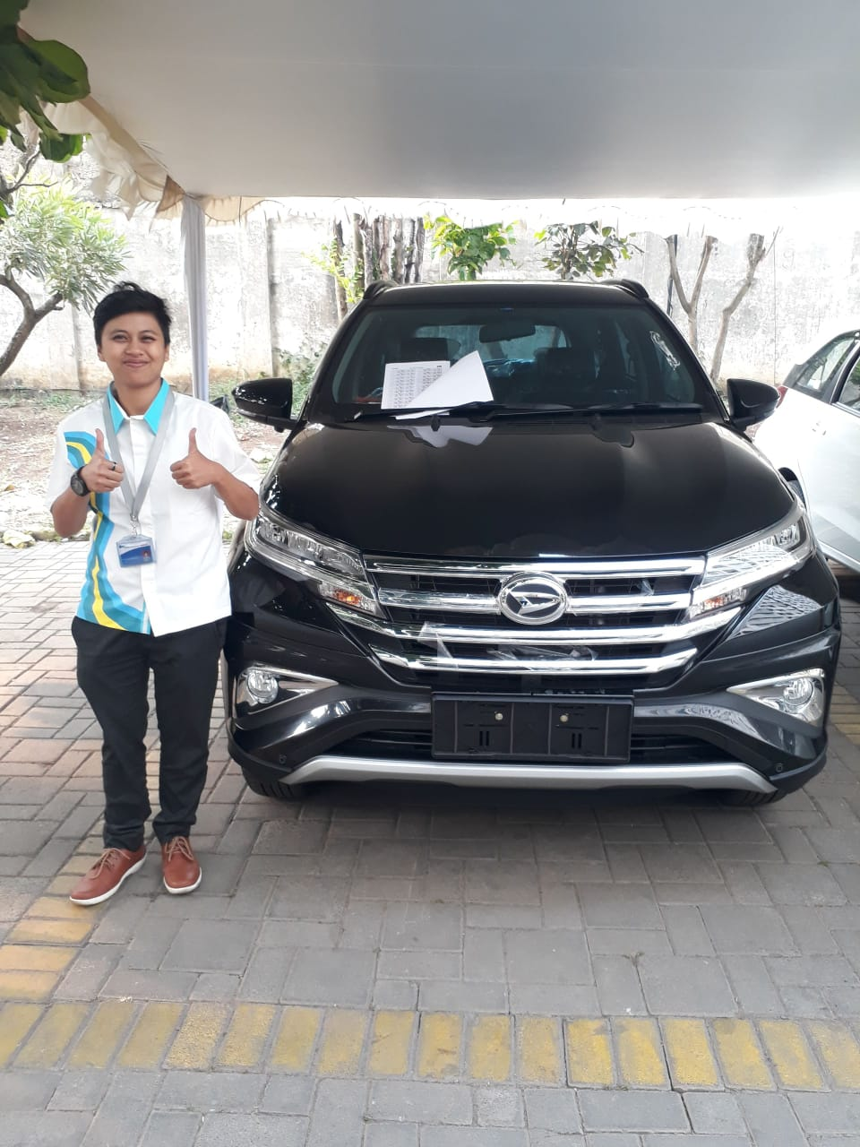 Sales Marketing Mobil Dealer Daihatsu Sandra