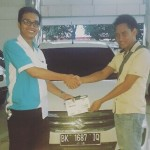 Foto Penyerahan Unit 1 Sales Marketing Mobil Dealer Suzuki Medan Alfredo