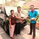 Foto Penyerahan Unit 1 Sales Marketing Mobil Dealer Suzuki Medan Edo
