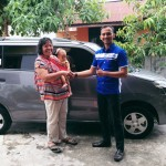 Foto Penyerahan Unit 1 Sales Marketing Mobil Dealer Suzuki Pekanbaru Rio Alex
