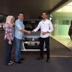 Foto Penyerahan Unit 10 Sales Marketing Mobil Dealer Suzuki Pekanbaru Rio