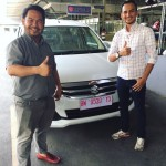 Foto Penyerahan Unit 11 Sales Marketing Mobil Dealer Suzuki Pekanbaru Rio