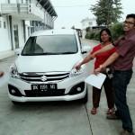 Foto Penyerahan Unit 12 Sales Marketing Mobil Dealer Suzuki Medan Edo