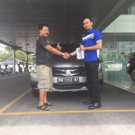 Foto Penyerahan Unit 4 Sales Marketing Mobil Dealer Suzuki Pekanbaru Rio