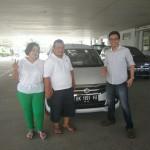Foto Penyerahan Unit 6 Sales Marketing Mobil Dealer Suzuki Medan Edo