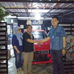 Foto-Penyerahan-Unit-18-Sales-Marketing-Mobil-Daihatsu-Yosa
