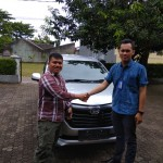 Foto-Penyerahan-Unit-19-Sales-Marketing-Mobil-Daihatsu-Yosa