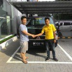 Foto Penyerahan Unit 2 Sales Marketing Mobil Dealer Mitsubishi Medan Rio