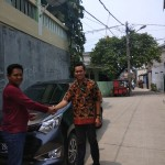 Foto-Penyerahan-Unit-5-Sales-Marketing-Mobil-Dealer-Daihatsu-Yosa