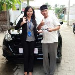 Foto Penyerahan Unit 6 Sales Marketing Mobil Dealer Daihatsu Dewi
