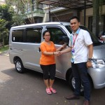 Foto-Penyerahan-Unit-9-Sales-Marketing-Mobil-Dealer-Daihatsu-Yosa