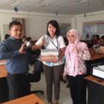 Foto Penyerahan Unit 3 Sales Marketing Mobil Dealer Daihatsu Cikarang Neng Ida Rosidah