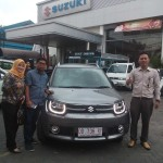 Foto Penyerahan Unit 3 Sales Marketing Mobil Dealer Suzuki Makassar Ismul