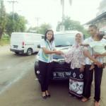 Foto Penyerahan Unit 6 Sales Daihatsu Cikarang Atau Marketing Daihatsu Cikarang Ida Rosidah