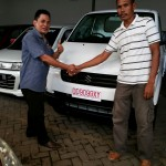 Foto Penyerahan Unit 6 Sales Marketing Mobil Suzuki Makassar MAHBUB