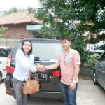Foto Penyerahan Unit 7 Sales Daihatsu Cikarang Atau Marketing Daihatsu Cikarang Ida Rosidah