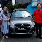 Foto Penyerahan Unit 7 Sales Marketing Mobil Dealer Suzuki Makassar Ismul