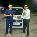 Foto Penyerahan Unit 2 Sales Marketing Mobil Dealer Suzuki Fazri Aulia