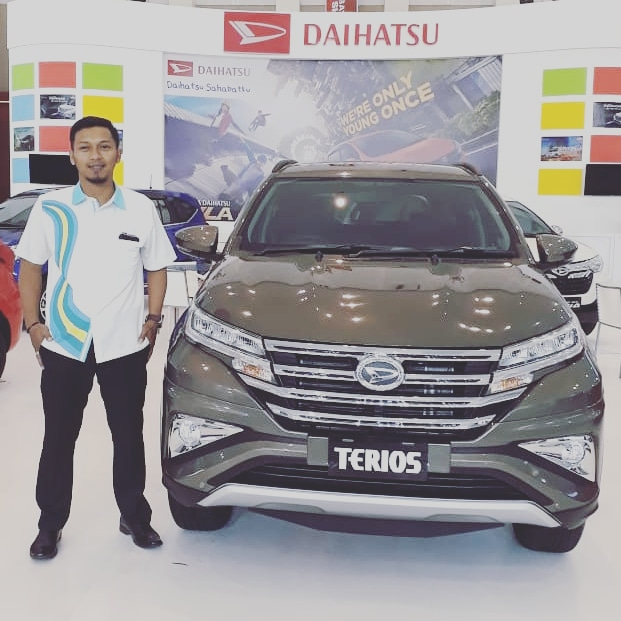 Sales Marketing Mobil Dealer Daihatsu Rusly
