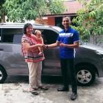 Foto Penyerahan Unit 1 Sales Marketing Mobil Dealer Suzuki Pekanbaru Rio Alex