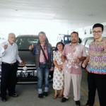 Foto Penyerahan Unit 2 Sales Marketing Mobil Dealer Suzuki Medan Edo