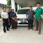 Foto Penyerahan Unit 3 Sales Marketing Mobil Dealer Suzuki Medan Edo