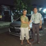 Foto-Penyerahan-Unit-11-Sales-Marketing-Mobil-Dealer-Daihatsu-Yos
