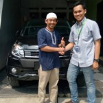Foto-Penyerahan-Unit-12-Sales-Marketing-Mobil-Dealer-Daihatsu-Yos