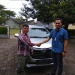 Foto-Penyerahan-Unit-19-Sales-Marketing-Mobil-Daihatsu-Yosa