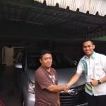 Foto-Penyerahan-Unit-6-Sales-Marketing-Mobil-Dealer-Daihatsu-Yosa