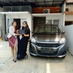 Foto Penyerahan Unit 9 Sales Marketing Mobil Dealer Daihatsu Dewi