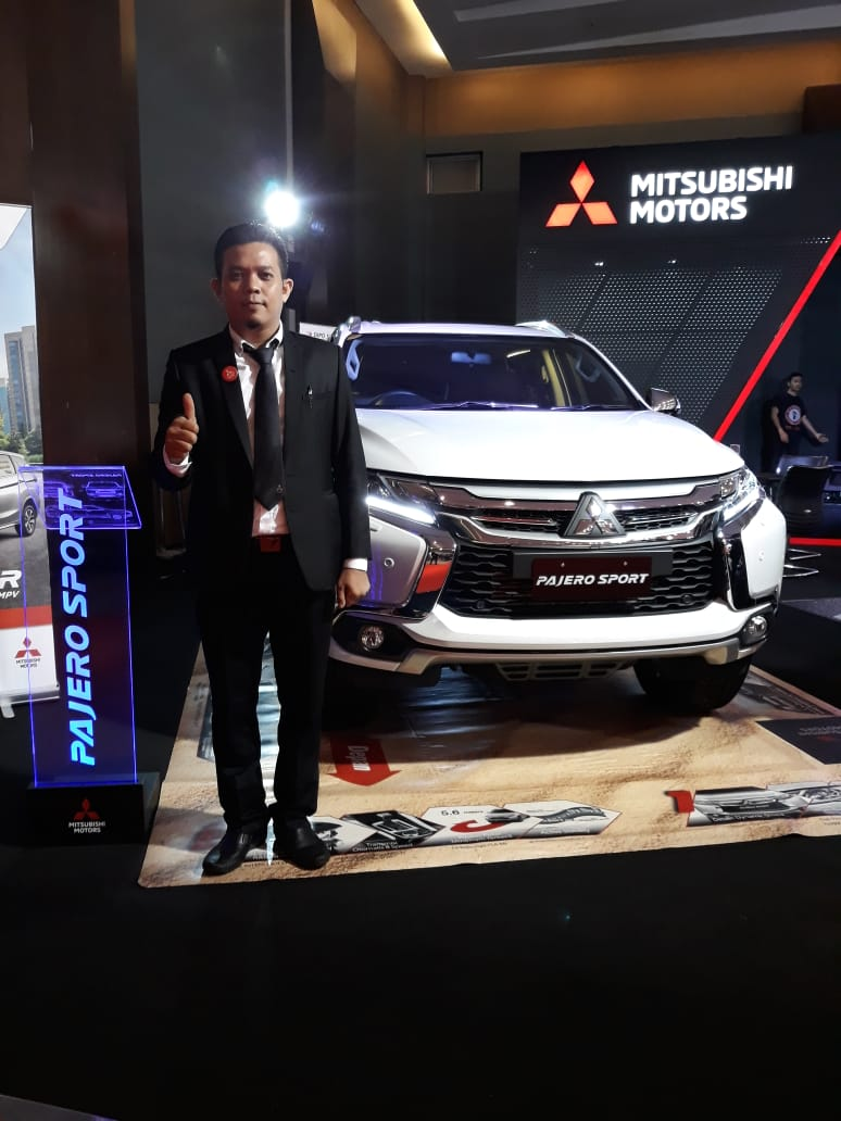 Sales Marketing Mobil Dealer Mitsubishi Sandi