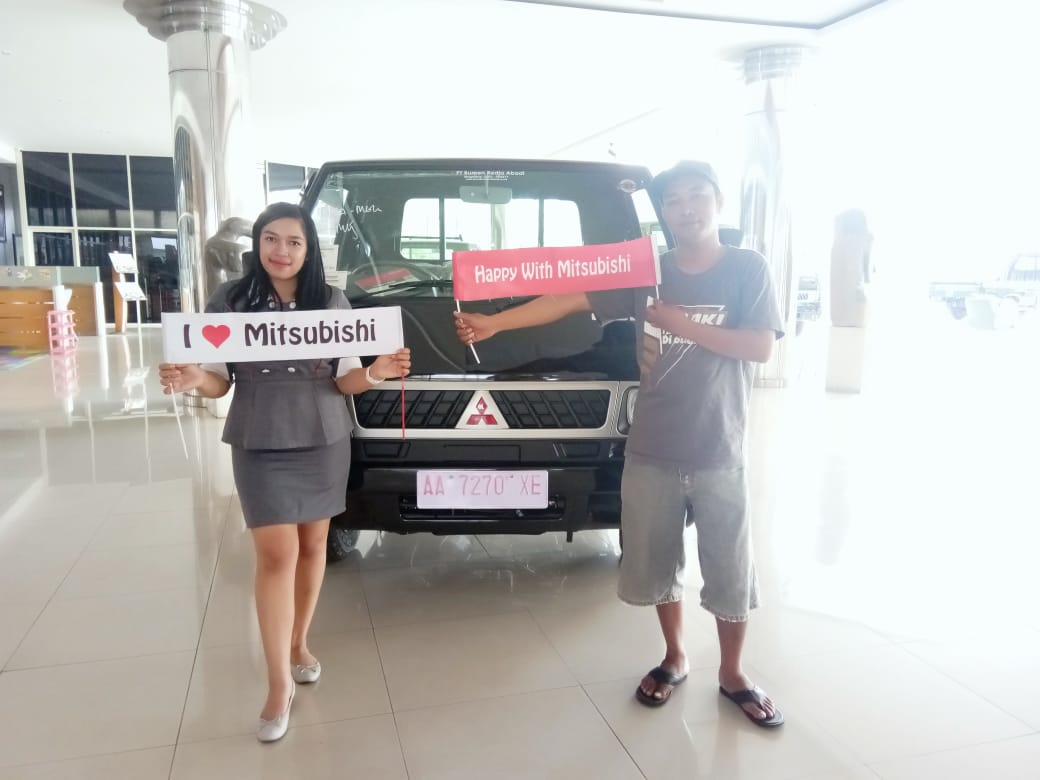 Sales Marketing Mobil Dealer Mitsubishi Sari